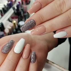 Lush-Fab-Glam.com winter glitter nail art designs (5)